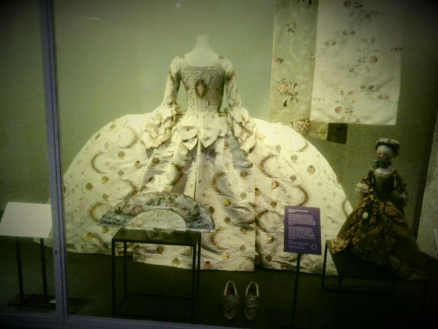 Fashion Exhibition @V_and_A